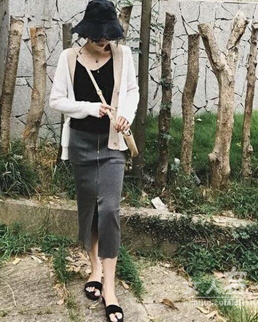 当秋季遇上针织裙,不落世俗就靠它