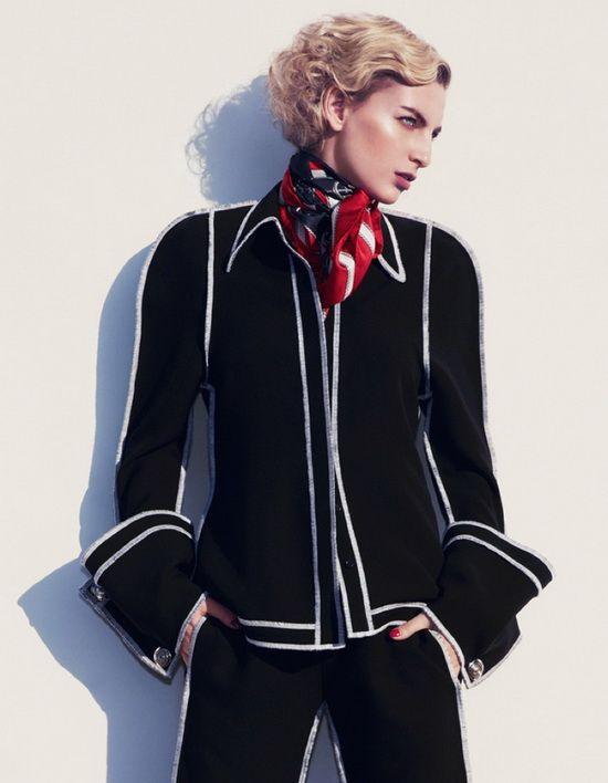 超模Rose Smith 演绎航海风时尚大片